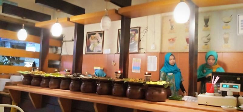 RM Ampera Pasar Baru Bandung