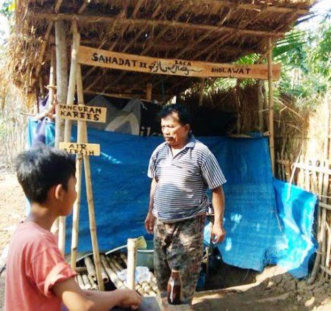 Air Ajaib Karees, Dipercaya bisa Sembuhkan Penyakit