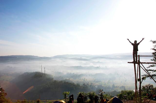 Negeri Diatas Awan, Indahnya Bukit Pamoyanan Subang