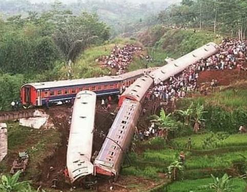 Kisah Tragedi Trowek, 20 orang meninggal Terjun Ke Jurang Ratusan Orang Luka